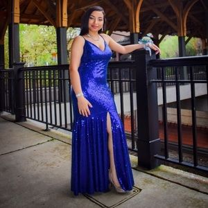Medium size Windsor prom dress